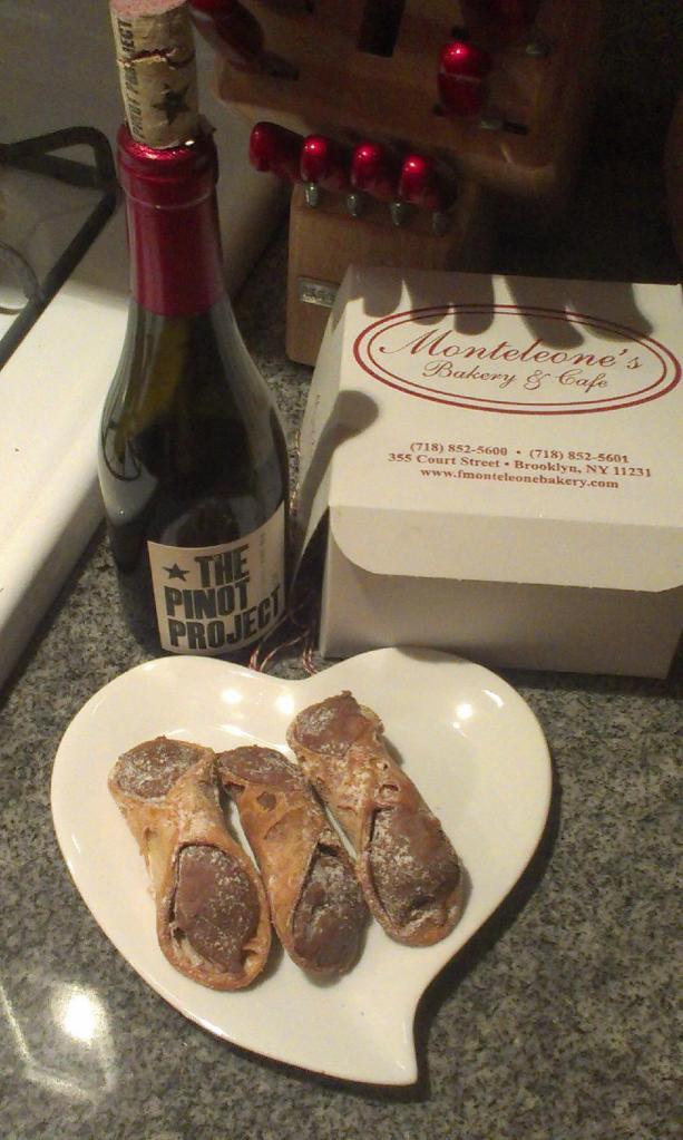 Monteleone's Cannoli